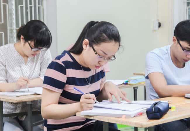 Học Ielts tại trung tâm