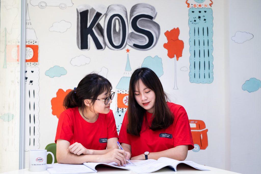 Luyện thi IELTS cùng KOS English Center